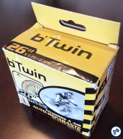 """Câmara de ar """"autorreparável"""" da francesa B'Twin: líquido interior sela pequenos furos automaticamente. Foto: Willian Cruz"""