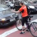 motorista na ciclovia alameda barros higienopolis fb h