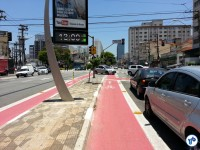 Av. Jabaquara, esquina com Al. dos Guatás. Daqui desce um ramal da ciclovia, à direita. Foto: Willian Cruz