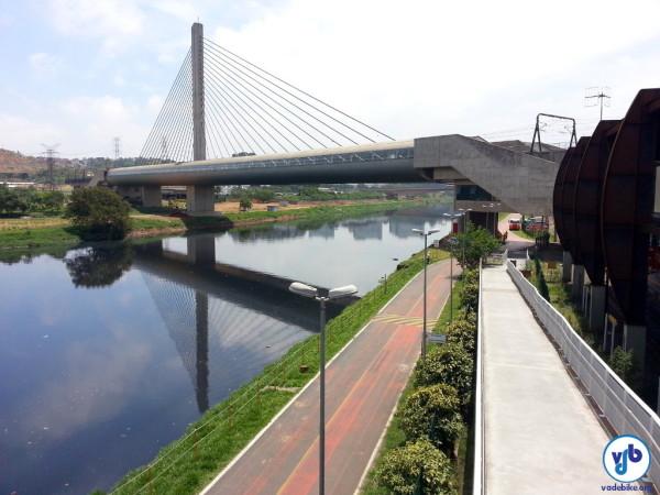 Ciclovia Rio Pinheiros, vista a partir do acesso da estação Santo Amaro. Interdição ocorre a partir deste ponto. Foto: Willian Cruz