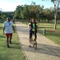 Aula de pedal da Escola Bike Anjo realizada no Parque Ecológico da Pampulha, em Belo Horizonte (MG). Foto: Escola Bike Anjo