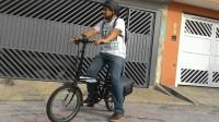 O ciclista Carlos Borba foi proibido por funcionários da CPTM de usar a ciclovia do rio Pinheiros com sua bicicleta elétrica. Foto: Arquivo pessoal