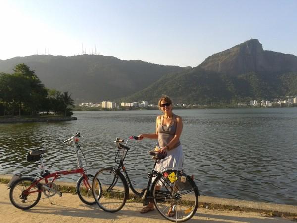 Aline e suas bicicletas. Foto: Arquivo pessoal