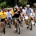 Haddad pedala com grafiteiros pela avenida 23 de Maio. Foto: Rachel Schein