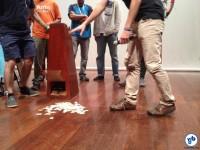 Os votos, colocados no chão para contagem. Foto: José Renato Bergo