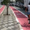 Ciclista em ciclovia na Av. Jabaquara, Zona Sul de São Paulo. Foto: Willian Cruz