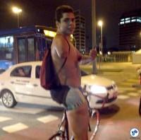 David Santos, ciclista que perdeu o braço ao ser atropelado por um motorista embriagado na Av. Paulista. Foto: Silvia Ballan
