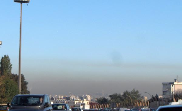 Poluição atmosférica nos arredores de Paris (França). Foto: Saperaud/CC BY-SA 3.0