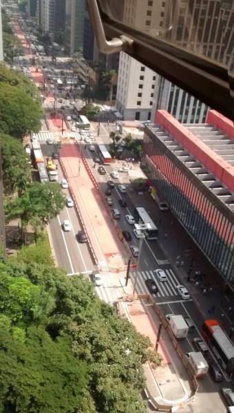 Obra da Ciclovia da Av. Paulista, em 20 de março de 2015. Foto: Tatiana Lowenthal