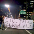 Ciclistas na manifestação contra a suspensão da implantação de ciclovias em São Paulo, em 27 de março de 2015. Foto: Carlos Aranha