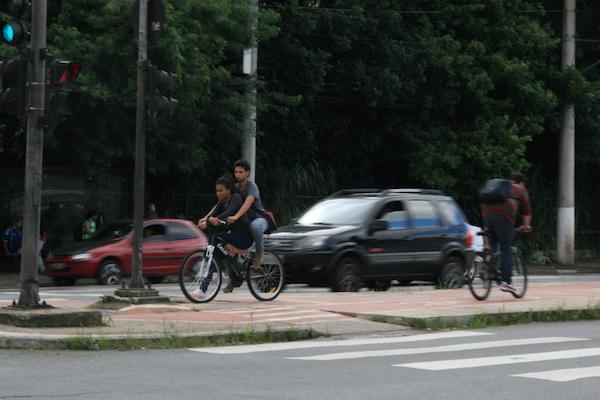 Número de mulheres e crianças pedalando também aumentou. Foto: Fabio Miyata
