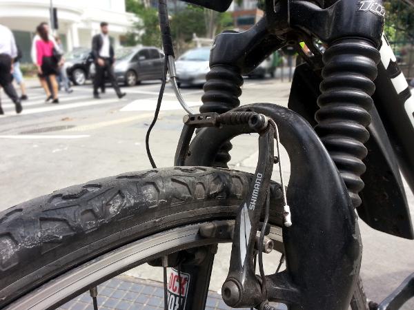 Os pneus são importantes para segurança, conforto e desempenho do ciclista. Foto: Willian Cruz
