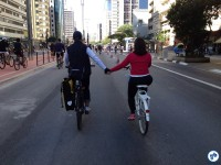 Willian e Priscila Cruz, do Vá de Bike. Foto: Fabio Nazareth