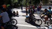 Cadeirantes também usufruíam do avenida aberta às pessoas. Foto: Willian Cruz