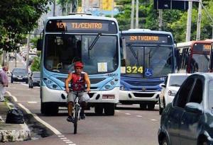 Motorista de ônibus sendo treinado em programa educativo do Pedala Manaus. Condutores de coletivos oferecem grande ameaça a ciclistas. Foto: Divulgação/Pedala Manaus