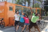 Os Bike Anjos Marcos Bueno, Victor Franzini, Ligia Franzini e Eduardo Leandro ensinavam as pedaladas para quem ainda não sabia se equilibrar na bicicleta. Foto: Flavio Bonanome