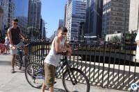 Ciclistas de todas as idades aproveitaram o domingo de sol. Foto: Flavio Bonanome