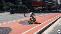 Criança pedala na Ciclovia da Paulista. Foto: Willian Cruz