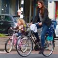 Raquel Jorge registra imagens de crianças e suas bikes em Rotterdam, na Holanda. Foto: Raquel Jorge