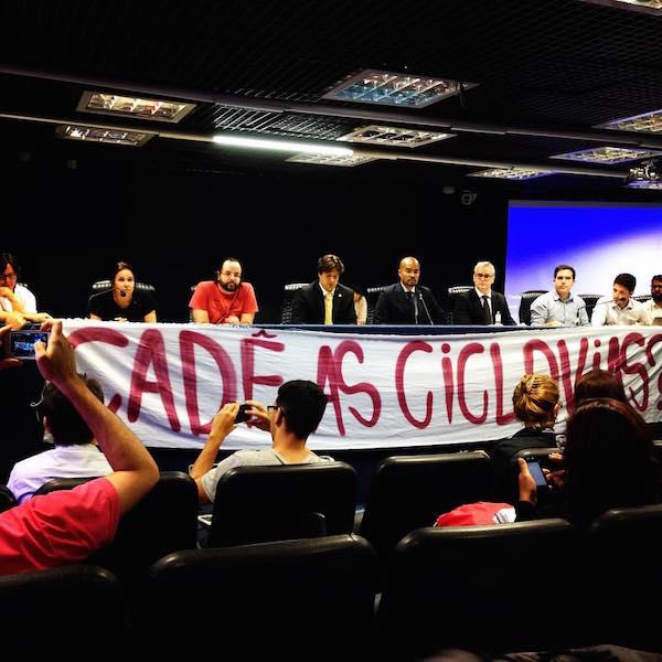 Audiência pública contou com a participação de cicloativistas. Foto: Ameciclo