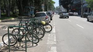 Exemplo de paraciclo instalado pela prefeitura de São José dos Campos em via da área central. Foto: Federica Fochesato