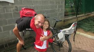 Todd Ollivier e a filha Iana, de 5 anos. Foto: Federica Fochesato