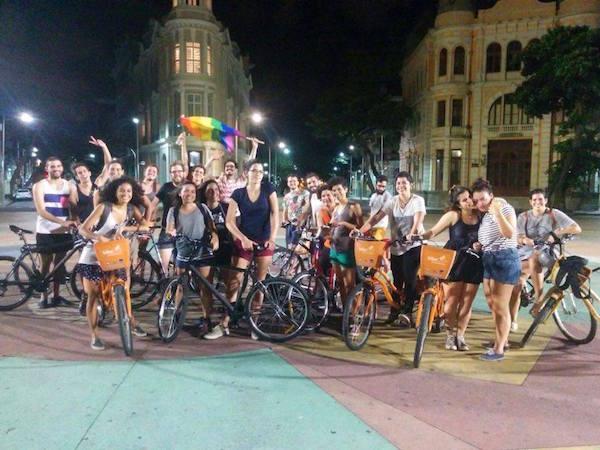 Passeio ciclístico pelo empoderamento feminino reuniu aproximadamente 35 pessoas. Foto: Reprodução Facebook BiciQueer