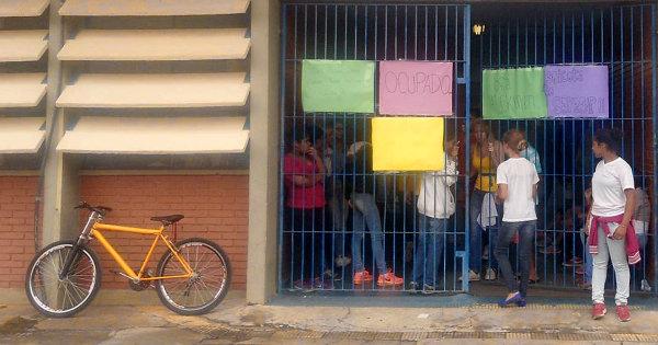 Bicicletas são comuns nas ocupações. Foto: Nao Fechem Minha Escola