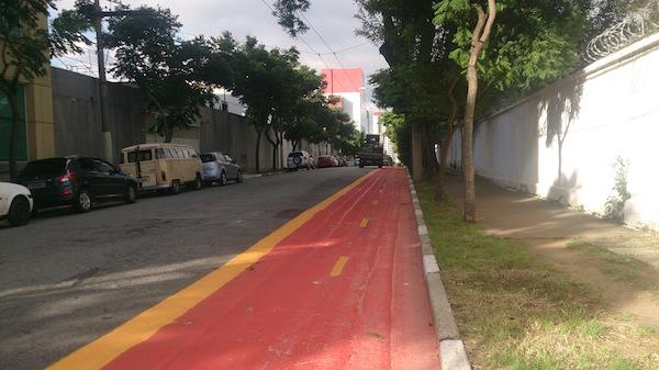 Ciclovia na rua Tobias Barreto. Foto: Renato Lobo
