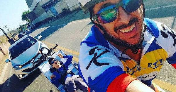 Biel e o pai, Rodrigo Silva Rocha. Foto: Reprodução Facebook/Corredor Especial_BIEL
