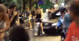 O atropelamento de ciclistas em Porto Alegre, em 2011. Imagem: Reprodução