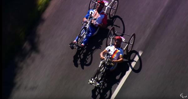 Handbikes no ciclismo de estrada. Imagem: IPC/Reprodução