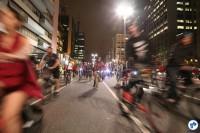 2016-10-28 Bicicletada Pedestrada #Vaiterciclovia Nenhum cm a menos Nenhum km-h a mais - 12 - Foto Fabio Miyata