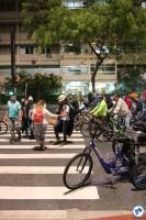 2016-10-28 Bicicletada Pedestrada #Vaiterciclovia Nenhum cm a menos Nenhum km-h a mais - 29 - Foto Fabio Miyata