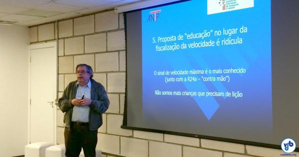 """A apresentação de Eduardo Vasconcellos fez juz ao título: """"11 provocações para a discussão"""". Foto: Willian Cruz"""
