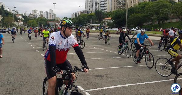 Centenas de ciclistas estiveram presentes. Foto: Willian Cruz