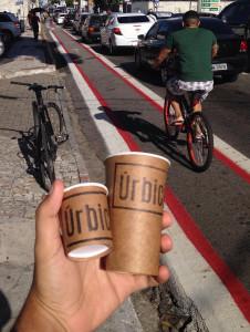 Estrutura para ciclistas em frente ao estabelecimento ajuda a atrair clientes. Foto: Divulgação