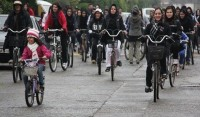 mulher iraniana ciclista pedalando 3 - IranianWomenLoveCycling