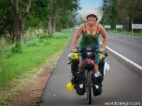 mulher iraniana ciclista pedalando 7 - IranianWomenLoveCycling