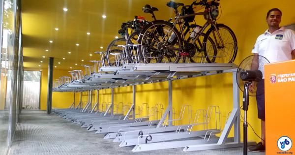 Bicicletário com 52 vagas fica ao lado de estação de metrô. Foto Willian Cruz