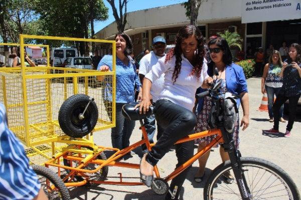 Bicicleta adaptada para catadores. Foto: Ascom/Agência Alagoas