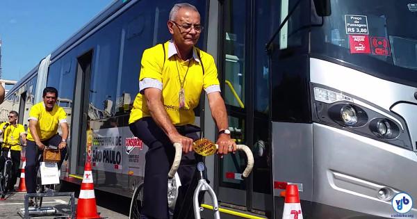 Ação da Prefeitura de São Paulo fez motoristas de ônibus passarem pela experiência de levar uma fina. Foto: Willian Cruz