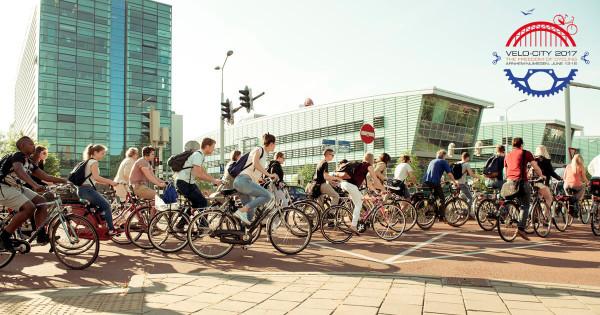 O uso da bicicleta é intenso na Holanda. Foto: Velo-City/Divulgação