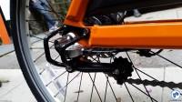 Proteção sobre o câmbio e tensionador de corrente. Foto: Willian Cruz/Vá de Bike