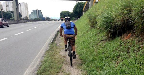 b6774a80e Falta de conexão coloca em risco quem usa a bicicleta em São José dos Campos